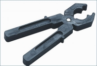 Испытание - клещи изолирующие, инструмента ручного изолирующего повышенным напряжением.